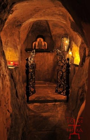 АРХАНГЕЛО-МИХАЙЛОВСКИЙ ЗВЕРИНЕЦКИЙ МУЖСКОЙ МОНАСТЫРЬ, зверинецкие пещеры