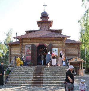 храм Пантелеимона Целителя в Вышгороде